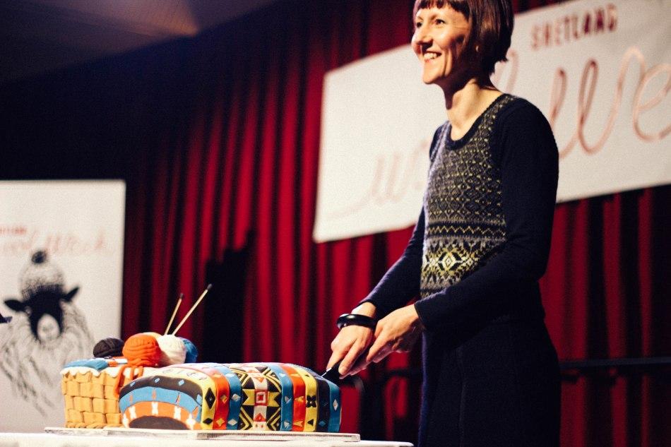 2015 Wool Week Patron Donna Smith cutting the Wool Week cake!